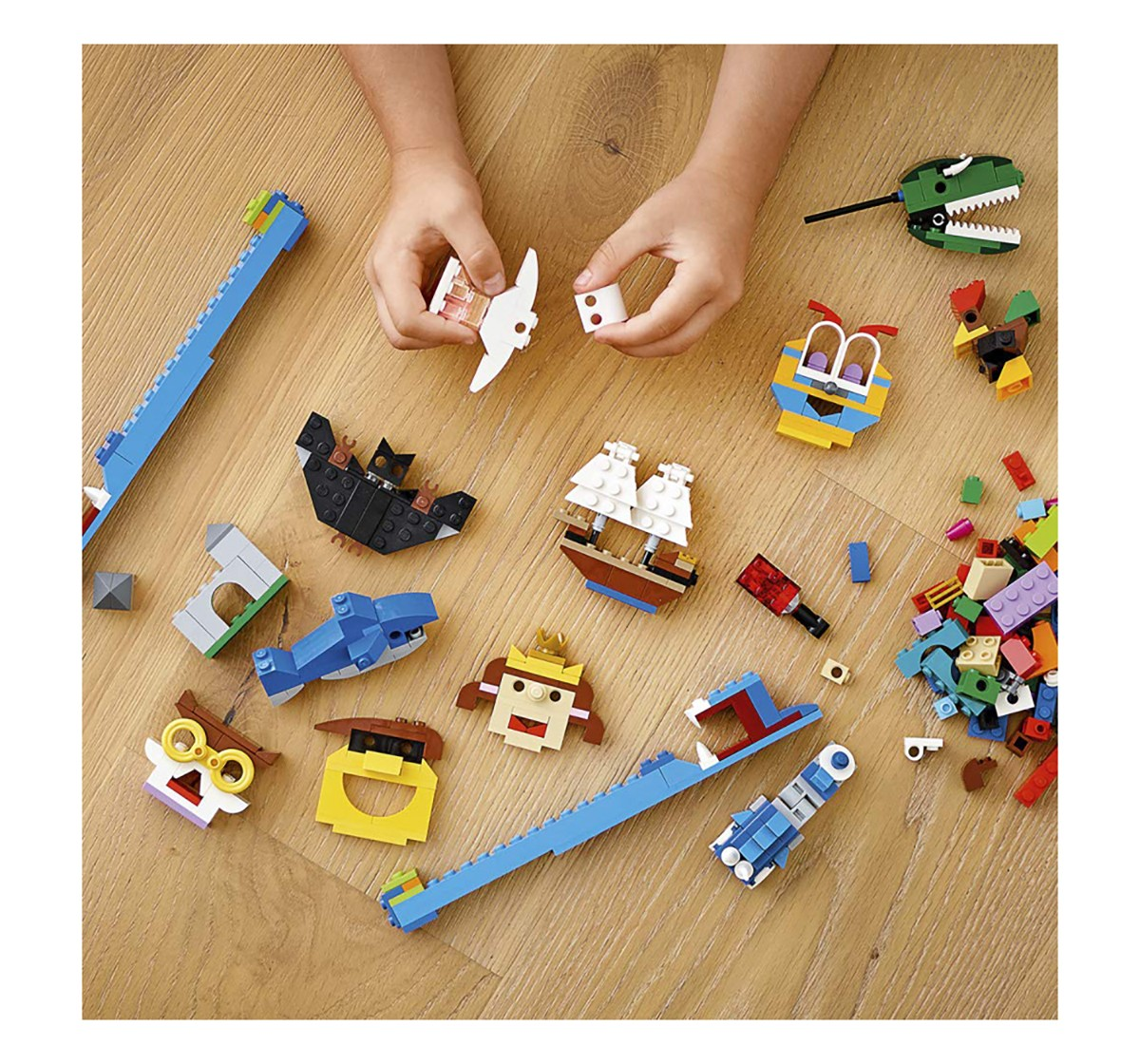 Lego 11009 Bricks And Lights Blocks for Kids age 5Y+